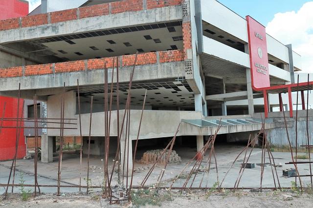 Obra abandonada na UFMA repercute na TV