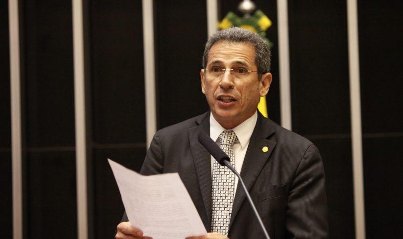 """Deputado Zé Carlos esclarece sobre assinatura em PEC: """"fui induzido a erro"""""""
