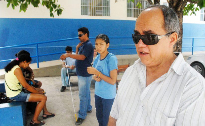 Diretor da Escola de Cegos dialoga sobre inclusão das pessoas com deficiência