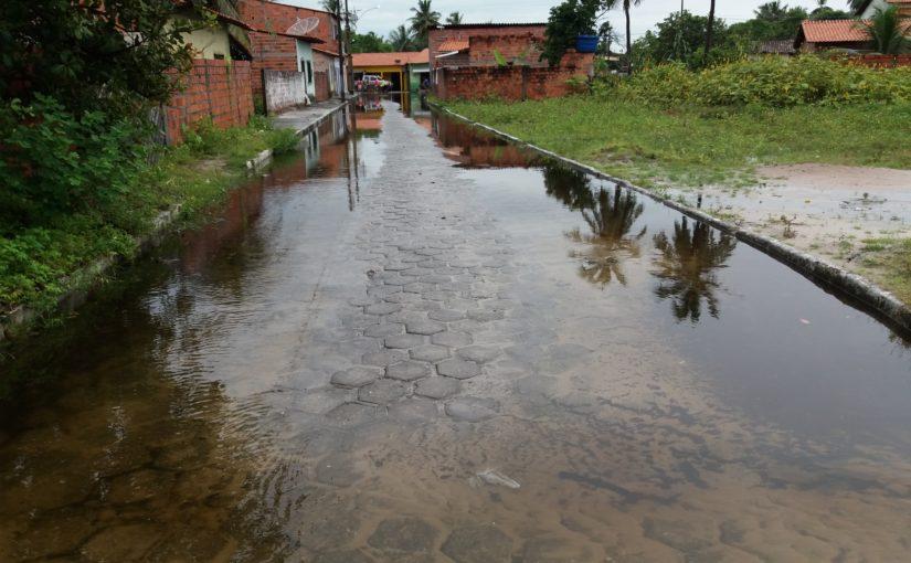 Cemar é a maior inimiga dos moradores e turistas em Santo Amaro, nos Lençóis Maranhenses