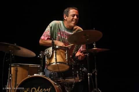 Baterista Jorge Amorim é atração no Chico Discos