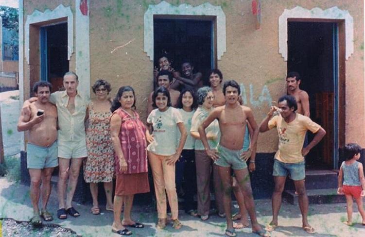 Bairro e condomínio: amizade e muros que separam as pessoas