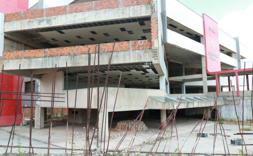 Além do corte de quase R$ 27 milhões, a Ufma sofre com obras mal executadas e abandonadas