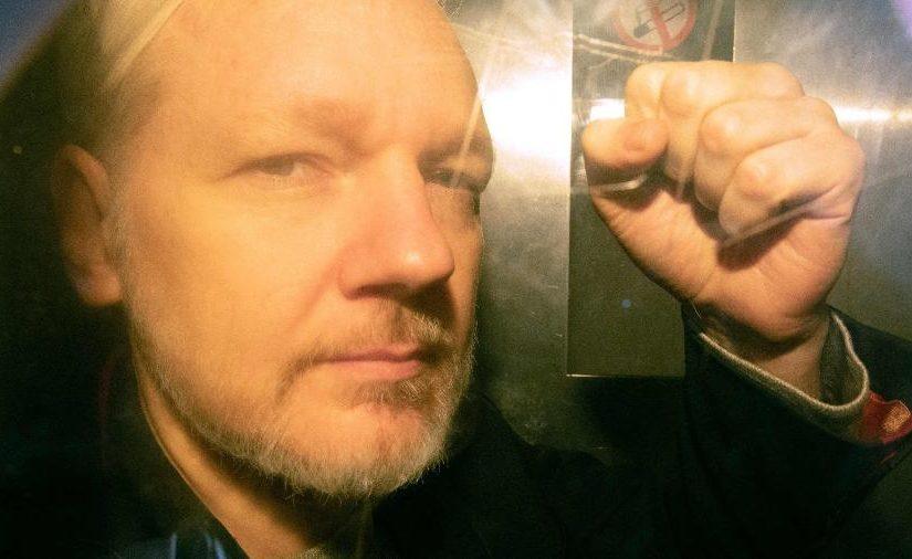 Julian Assange é preso político e deve ser libertado, defende o PT