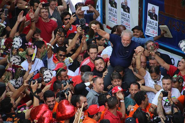 Batalha no rádio: Brasil de Fato/Timbira AM e Jovem Pan disputam narrativa sobre Lula