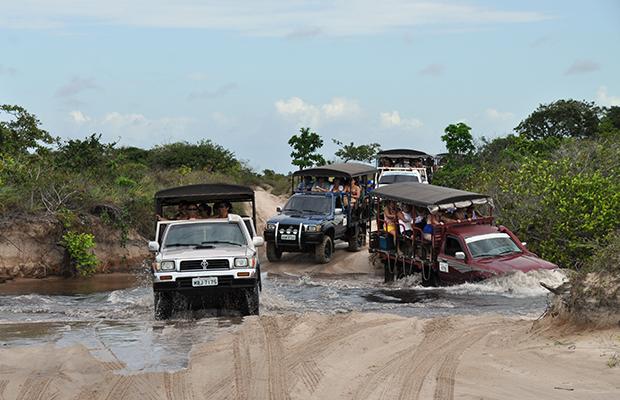 Construção da ponte sobre o rio Alegre, em Santo Amaro, divide opiniões dos moradores e empresários