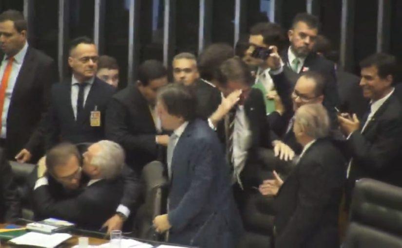 Bolsonaro é a última tentação de Sarney