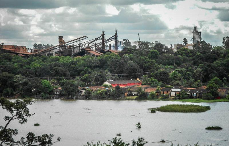 Jornalista premiado com foto de ritual indígena apresentou documentário sobre a degradação das siderúrgicas em Açailândia