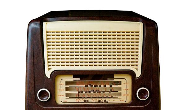 Memórias do Carnaval: Turma do Saco homenageou o rádio AM