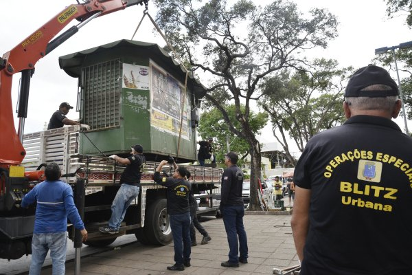 Prefeitura toca o terror contra bancas de revista em São Luís